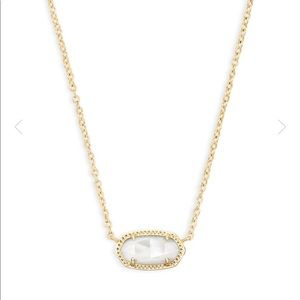 Kendra Scott Elisa Pendant Necklace in Ivory Pearl
